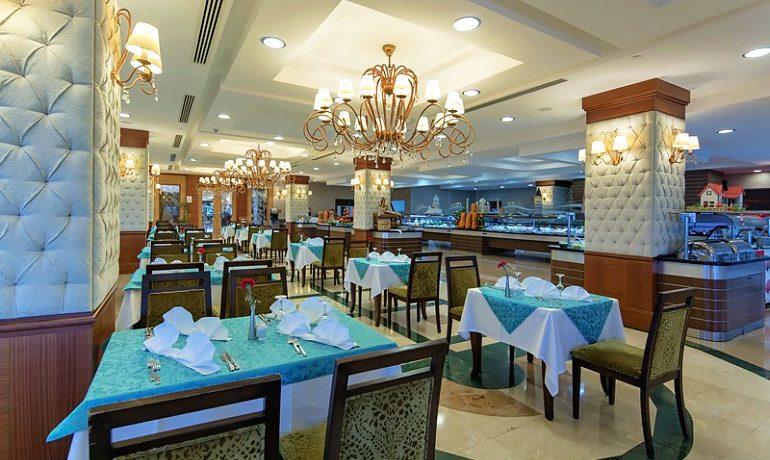 Alba Royal Hotel main restaurant