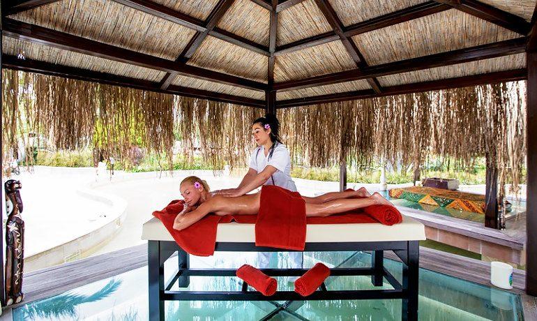Alba Royal Hotel massage