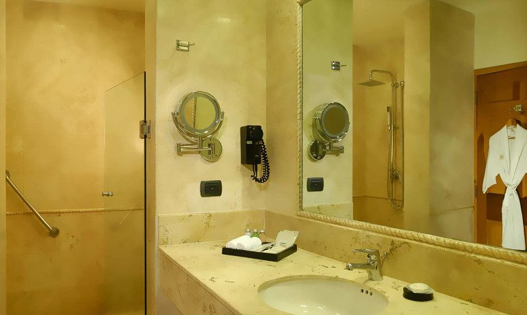 Catalonia Royal Tulum superior room bathroom