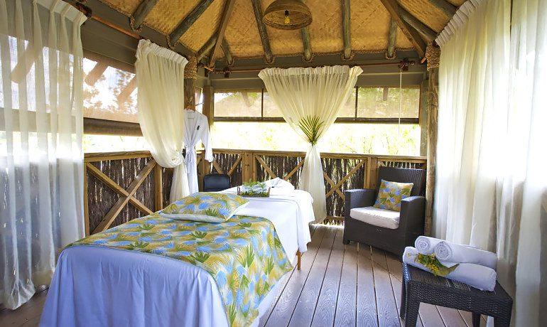 Galley Bay Resort & Spa massage room