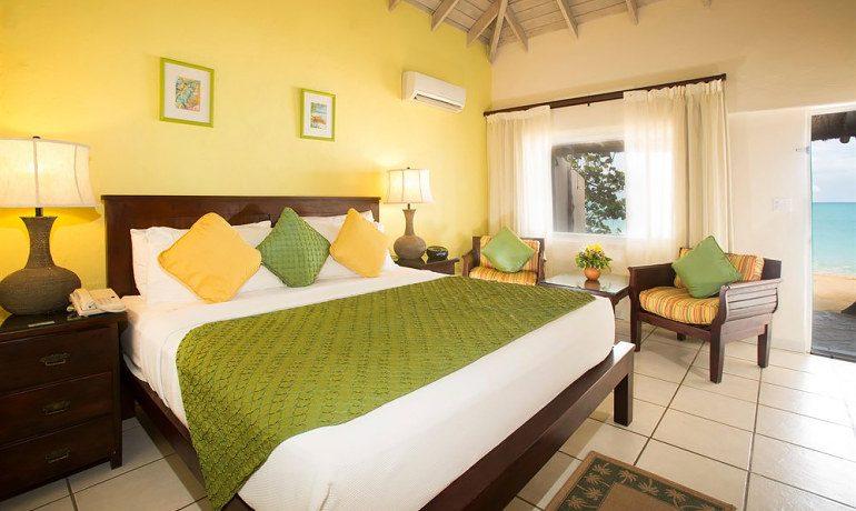 Galley Bay Resort & Spa superior beachfront room