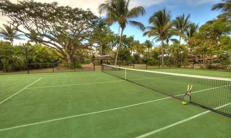 Galley Bay Resort & Spa tennis court
