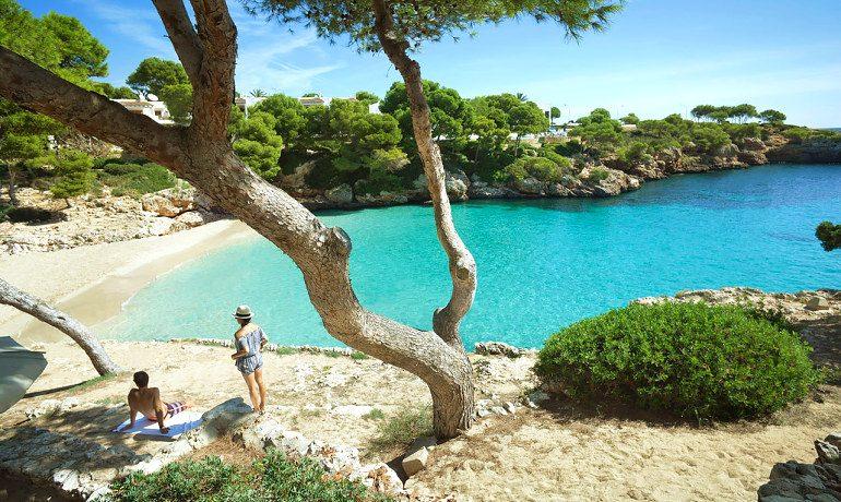 Inturotel Cala Esmeralda beach view