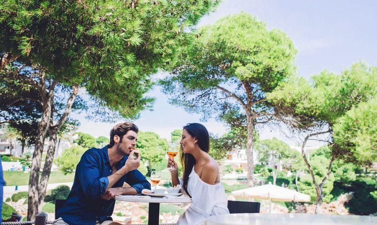 Inturotel Cala Esmeralda couples dining