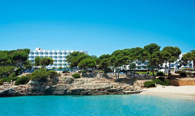 Inturotel Cala Esmeralda hotel beach