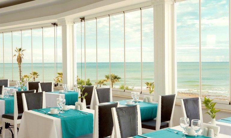 Sentido Flora Garden restaurant interior
