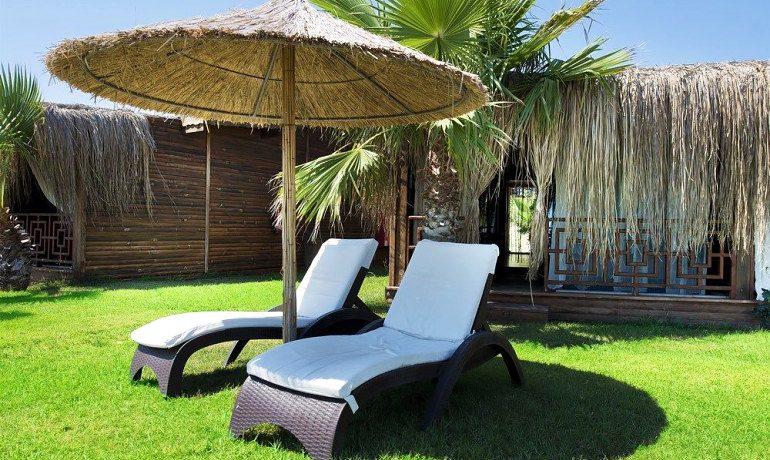 Sentido Flora Garden suite sunbeds