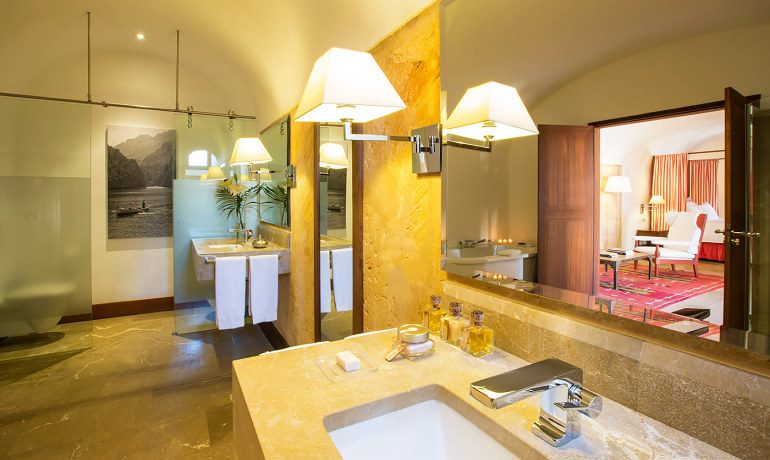 Cap Rocat hotel suite bathroom