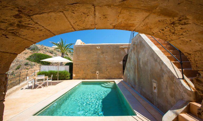 Cap Rocat hotel suite pool