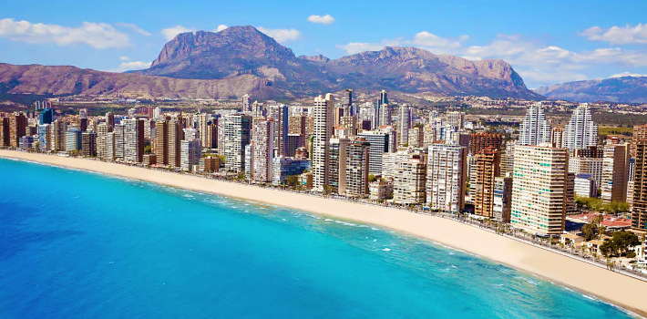 Costa Blanca popular older couples holiday destination