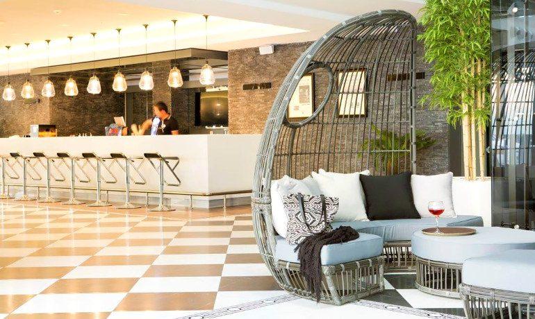 Sunprime C-Lounge lobby bar area