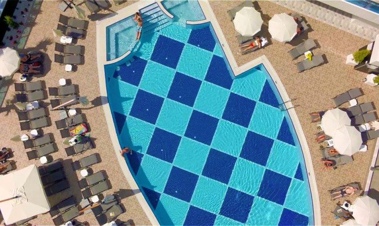 Sunprime C-Lounge pool top view
