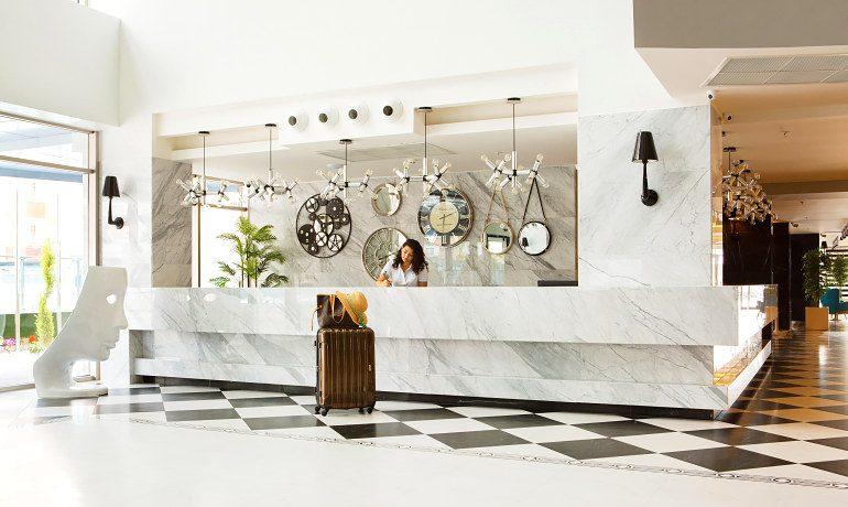 Sunprime C-Lounge reception