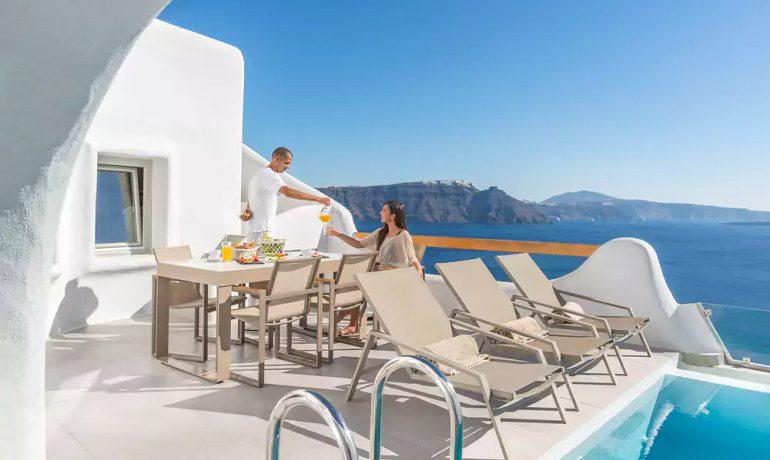 Elite Luxury Suites Santorini breakfast