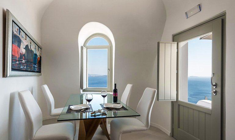 Elite Luxury Suites Santorini elite suite dining