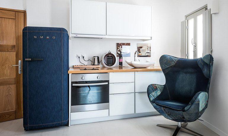 Elite Luxury Suites Santorini suite kitchen
