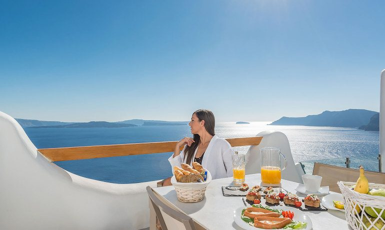 Elite Luxury Suites Santorini grand suite sea view