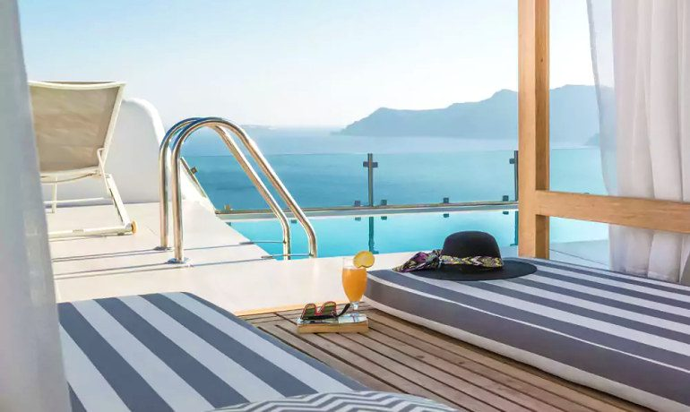 Elite Luxury Suites Santorini pool terrace