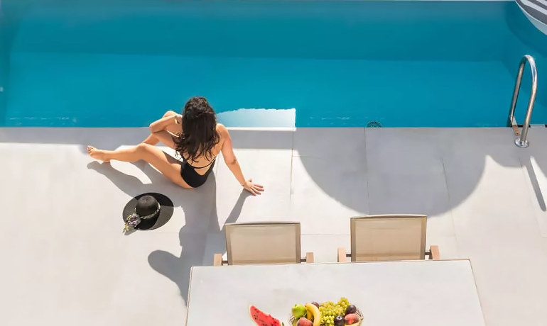 Elite Luxury Suites Santorini pool view