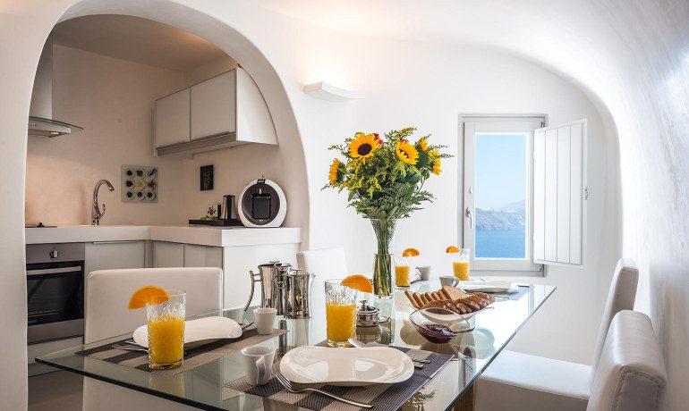 Elite Luxury Suites Santorini premier suite dining
