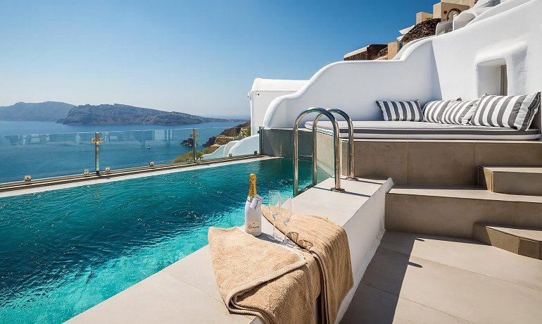 Elite Luxury Suites Santorini premier suite pool