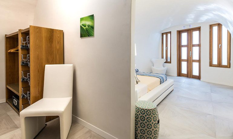 Elite Luxury Suites Santorini premier suite wardrobe