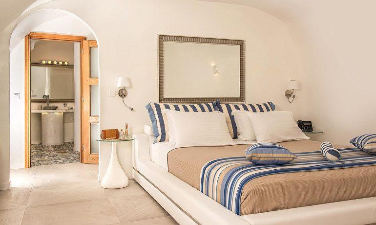 Elite Luxury Suites Santorini presidential suite bedroom area