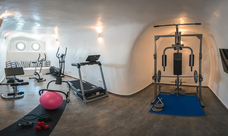 Elite Luxury Suites Santorini presidential suite gym