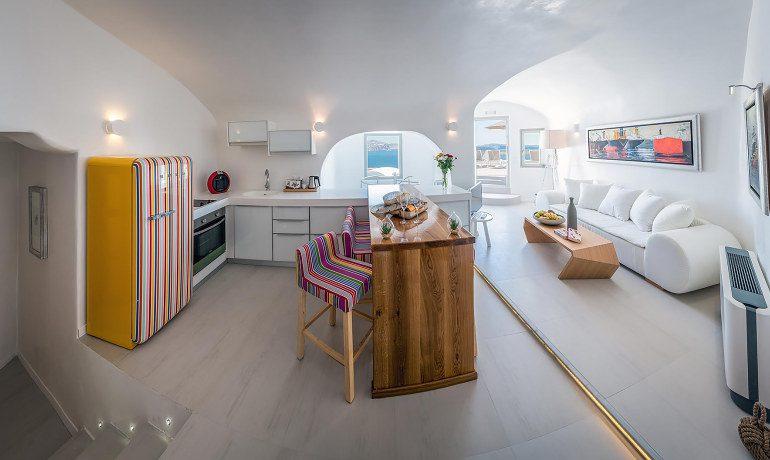 Elite Luxury Suites Santorini presidential suite living room
