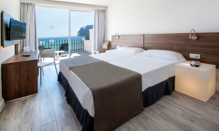 SENTIDO Don Pedro double room sea view