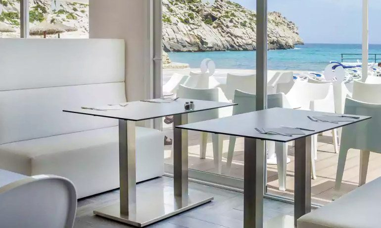 SENTIDO Don Pedro restaurant tables
