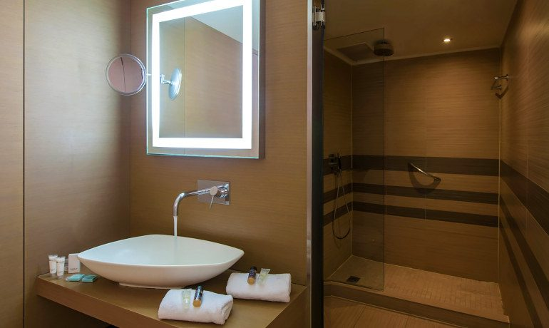 Sentido Ixian Grand deluxe sea view room bathroom
