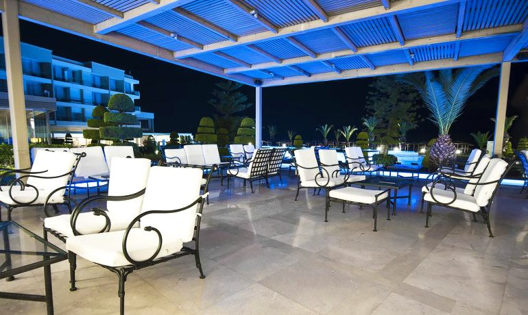 Sentido Ixian Grand lounge terrace