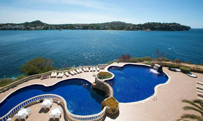 Sentido Punta del Mar pool