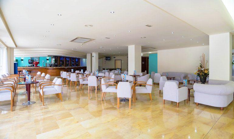 THB Maria Isabel lobby bar