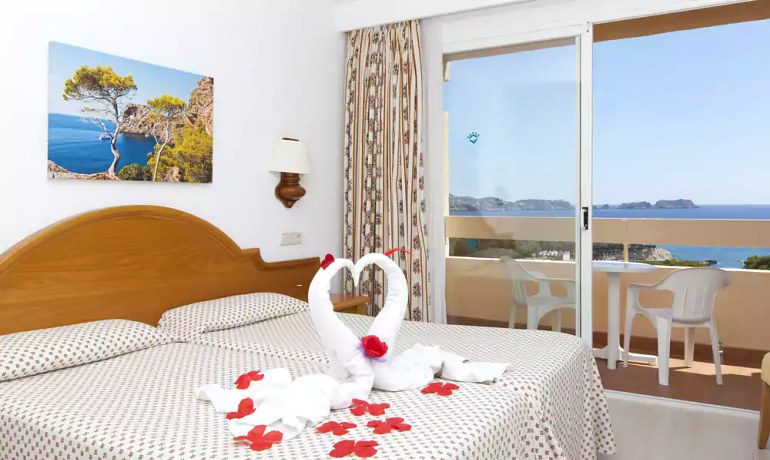 Valentín Reina Paguera double room sea view