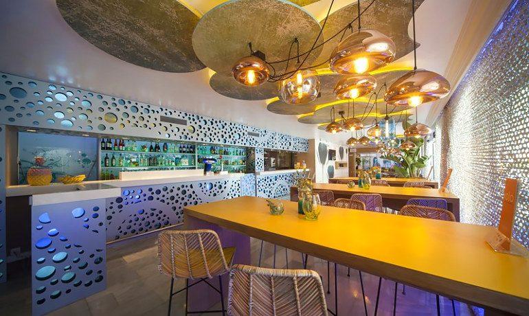 Sotavento apartments bar
