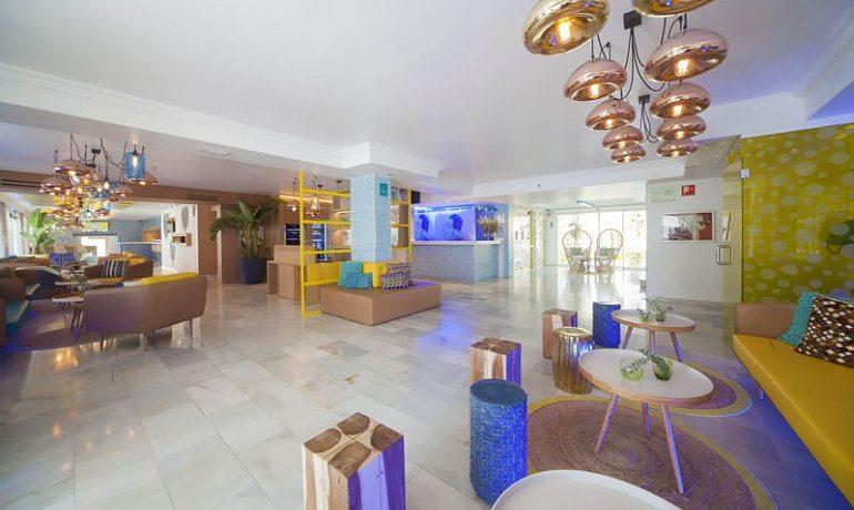 Sotavento apartments lobby