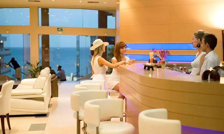 CHC Galini Sea View lounge bar