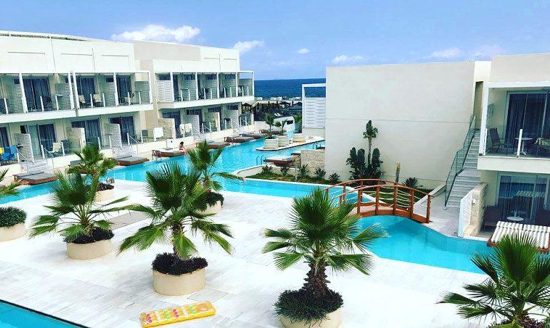 Insula Alba Resort exterior