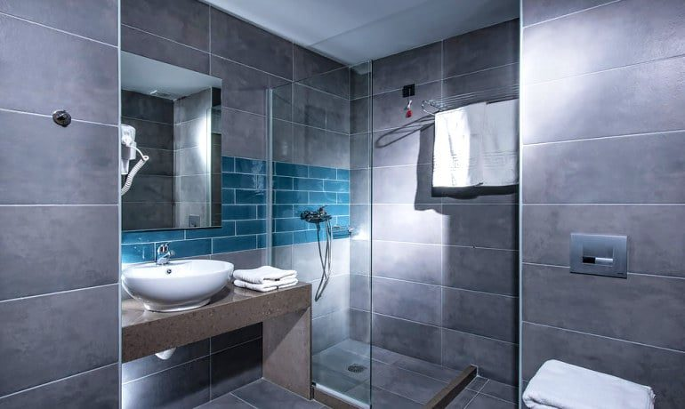 Infinity Blue Boutique Hotel & Spa Bathroom
