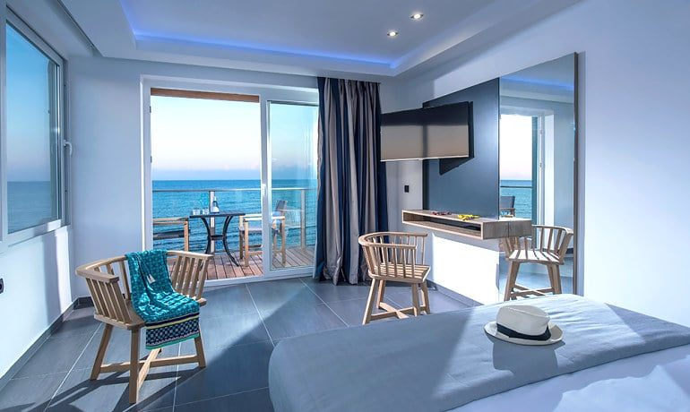 Infinity Blue Boutique Hotel & Spa Deluxe junior suite