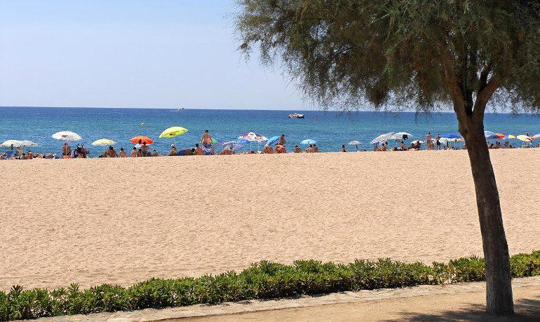 Aqua Hotel Silhouette & Spa beach