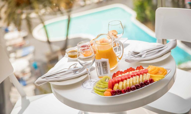 Aqua Hotel Silhouette & Spa breakfast