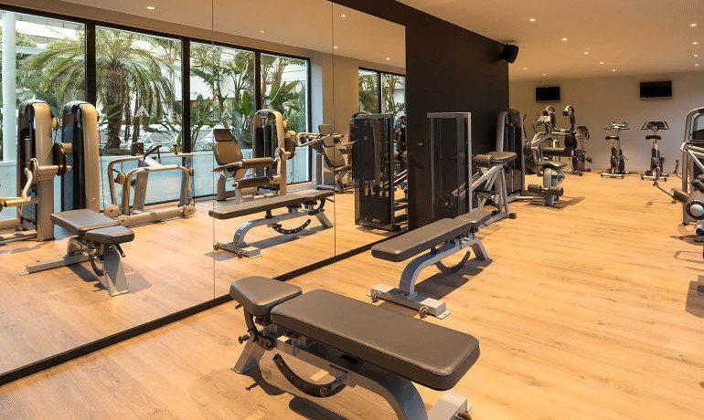 Aqua Hotel Silhouette & Spa gym