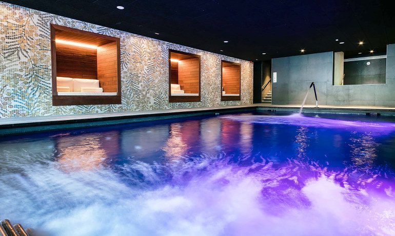 Aqua Hotel Silhouette & Spa indoor pool