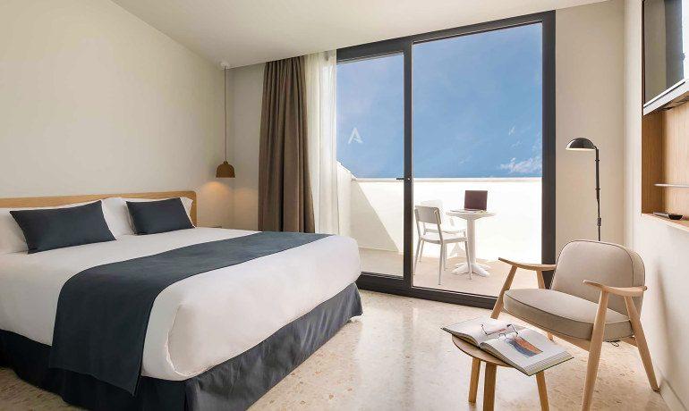 Aqua Hotel Silhouette & Spa penthouse