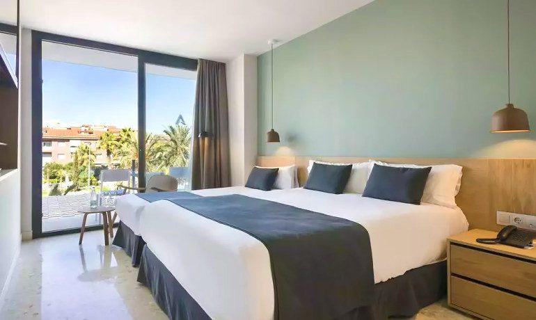 Aqua Hotel Silhouette & Spa premium room