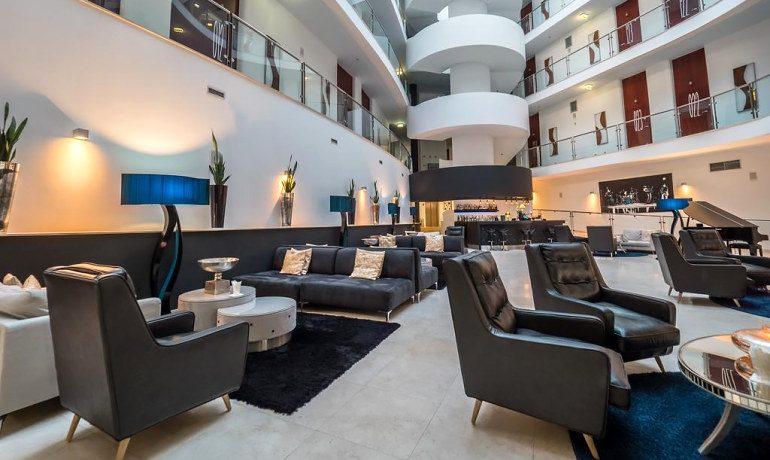 Aqua Pedra dos Bicos adults only hotel lobby area
