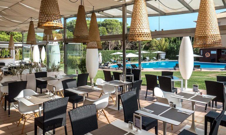 Aqua Pedra dos Bicos adults only hotel restaurant